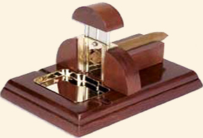 Table Top Guillotine Cigar Cutter w/ Ashtray