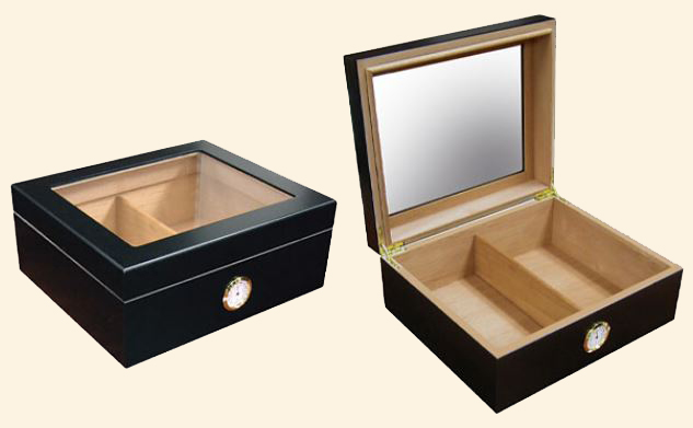 The Chalet Glasstop Humidor...25-40 -